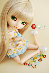 Ayumi - Pullip Paja (-Poison Girl-) Tags: pullip pullips pullippaja paja ayumi poisongirl obitsu sbhm white pale junplanning doll dolls bracelet duck dress thanks so much emma