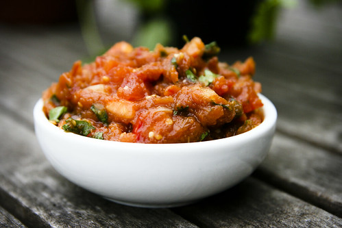 Smokin' Hot Chipotle Tomatillo Salsa - smarterfitter