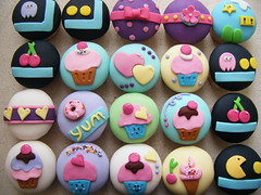 Cupcakes ( gabby cupcakes by Gabriela Cacheux) Tags: pink cute cakes cupcakes colours sweet chocolate girly sugar pacman kawaii vanilla playful fondant