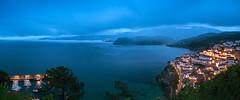 Hora azul en Lastres (ZenonZ) Tags: costa asturias lastres flickraward flickrestrellas doctormateo sanmartindelsella sanmartndelsella