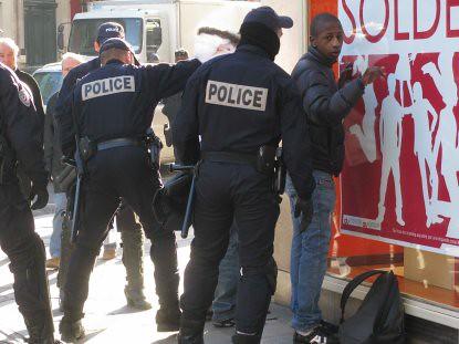 9a08 Saldos y seguridad en París