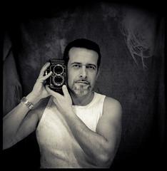 Happy Birthday (43+43) (byfer / Fernando Ocaa) Tags: birthday selfportrait me rolleiflex mirror kodak retrato yo espejo 28 80 cumpleaos planar 320txp byfer fernandoocaa k7f2 2470308