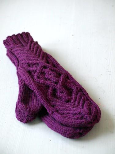 chevalier mittens.