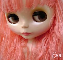 Quando Eva estava no paraíso, seu cabelo era rosa! =0P