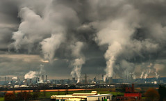 Yes We Can... Oh Can We? (Pepeketua) Tags: uk cloud industry ecology photoshop scotland yes smoke gray nuclear can we pollution environment petrol refinery hdr grangemouth cheminee crise scoreme43 aplusphoto dphdr scoremehdr375