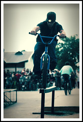 Peppo @ Chetto Jam 09 (3rd World BIKErs) Tags: underground calle bmx under ghetto bahiablanca streetcontest plazavea villamitre cavernastyle chettojam demanual