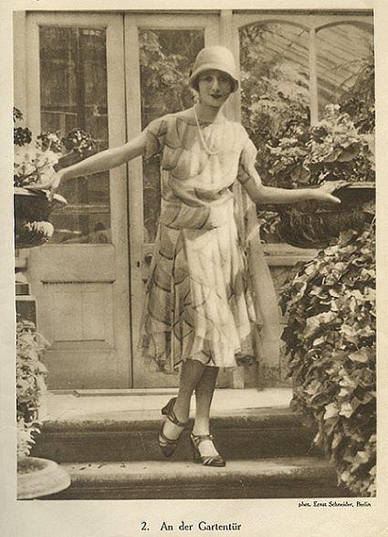 Ernst Schneider, Anna Pavlova, Garden