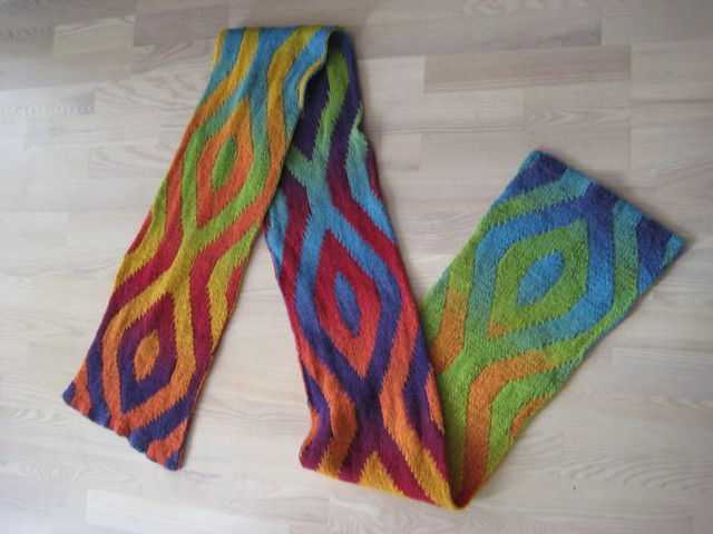 http://www.ravelry.com/projects/enile/rainbow-scarf