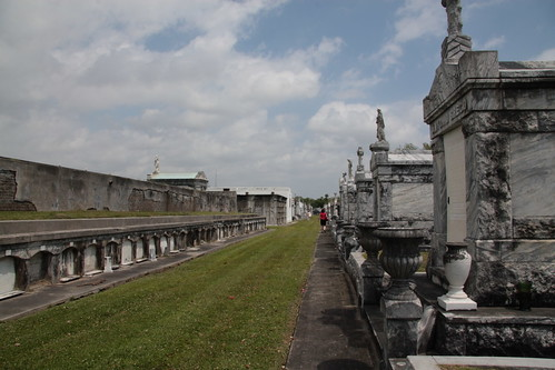 Lake Lawn Metairie Cemetery