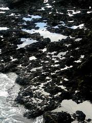 closeup cielomare  seasky (conci 3000) Tags: blue sea sky black reflections rocks waves seasky conci3000