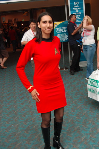 Comic Con 2009: Red Skirt
