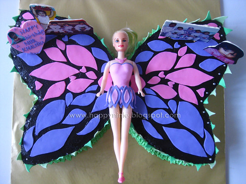 Barbie mariposa with standing edible image