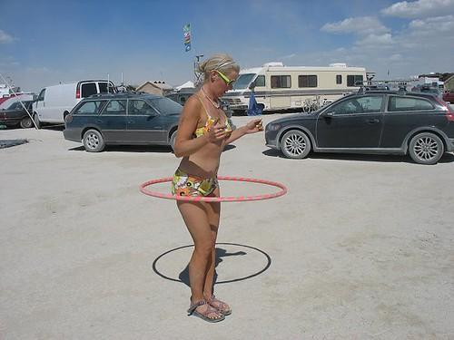 bikini hooping