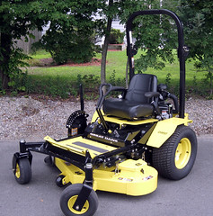 Great Dane Chariot Seated Mower (imotorsports) Tags: lawn lawnmower mower chariot