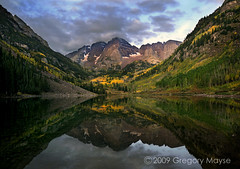 MAROON BELLS MAGIC (gallery of nature) Tags: fall reflections dawn colorado foliage aspen maroonbells maroonlake gregorymayse