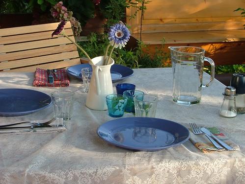 tablescape blue & white