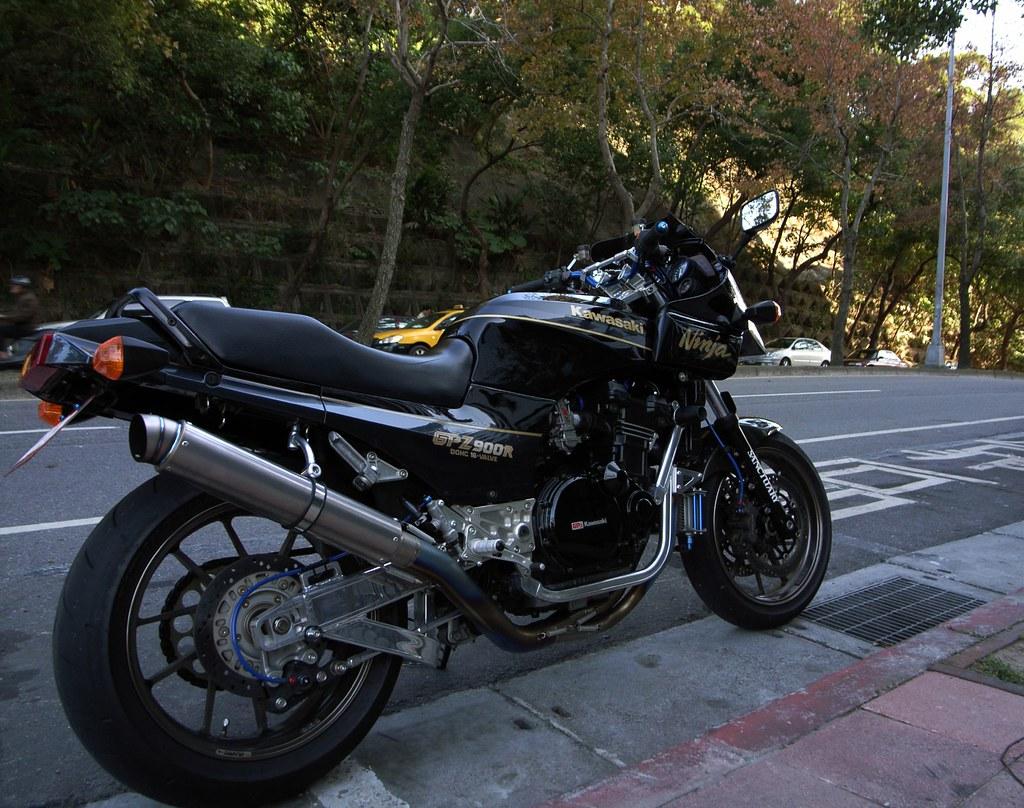 Kawasaki GPZ-R 900 et 750, 1000 RX, ZX 10 TOMCAT 3202676363_2a5251c5dc_b