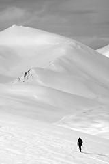 In salita (wolfango) Tags: white mountain snow montagne relax neve cai gran abruzzo italiano laquila gransasso alpino sasso campoimperatore clubalpinoitaliano