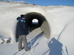 About to ski through the pedestrian tunnel (Jan Egil Kristiansen) Tags: snow ski skiing pipe tunnel pedestriantunnel faroeislands corrugatedtunnel hoyvk tjlvi  millumgilja p2070005 skiabletunnel hoyvksporturin