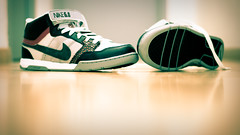 My New Nike Shoes ^^ (*LeDams*) Tags: geotagged lights nikon shoes dof air nike mogan limoges lightroom nikkor50mm d80 nikond80 ledams