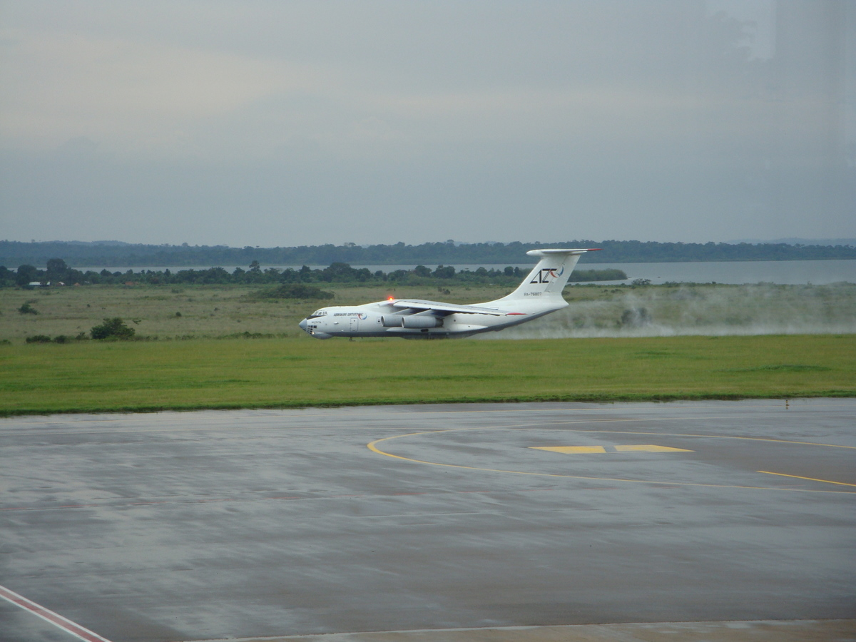 IL-76, Takeoff in the rain