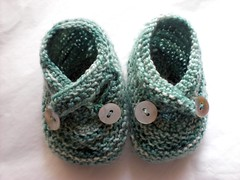 saartjes booties (gretchenknits) Tags: baby infant shoes knit handknit koigu tiny booties bootees babybooties toocute saartje saartjes shellbuttons gretchenknits