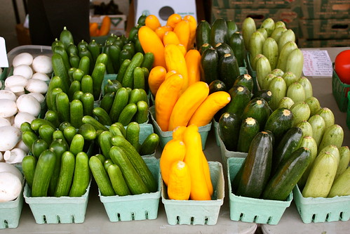 farmers-market-zucchini