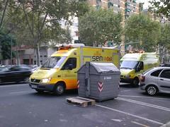SEM))))061 (Xavier_15) Tags: barcelona life españa mercedes benz la spain support bcn caja ambulance sem sant als marti advanced sprinter ambulancia verneda 061 cuadrada