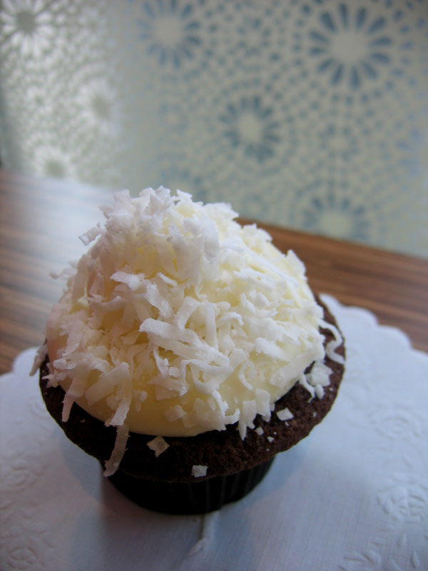 hellocupcake: coconut chocolate