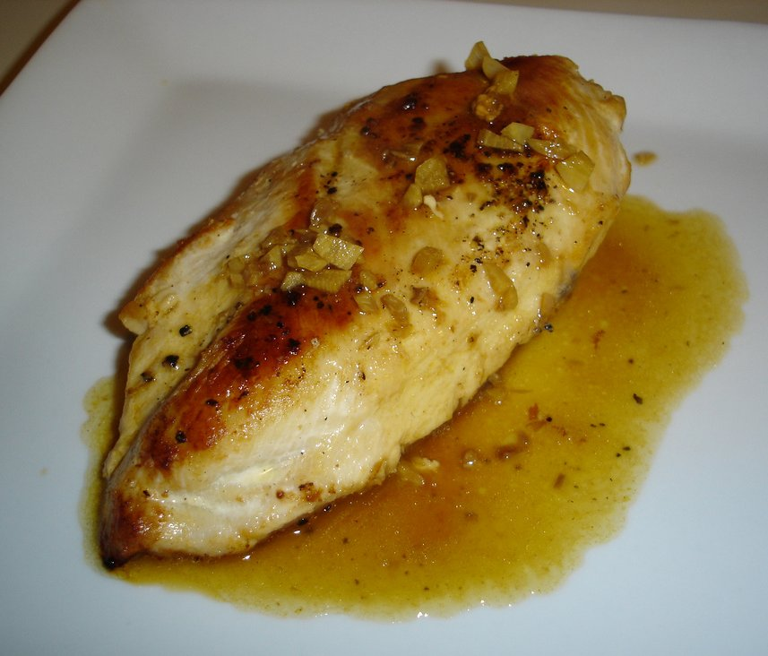 Chicken with Garlic and White Wine Pan Sauce