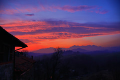 Just Another Sunset.... (! .  Angela Lobefaro . !) Tags: trip travel trees sunset vacation sky italy panorama mountains alps castle scale berg leaves stairs montagne landscape atardecer countryside bravo gate italia tramonto nuvole sonnenuntergang country medieval treppe campagna piemonte nubes linux alpen chateau 1785 schloss biella ubunt