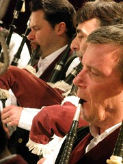 Bagad Saint Nazaire (Kornofulgure) Tags: new york city saint space broadway band piper symphony bagpipe pipeband nazaire bourdon cornemuse bagad levriad