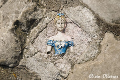 The Doll of the stone (Eliseo Oliveras) Tags: life street old city brussels people urban ancient europa europe doll belgium belgique belgie bruxelles metropolis bruselas emotions brussel belgica feelings muñeca sentimientos ultimateshot eliseooliveras ©eliseooliveras