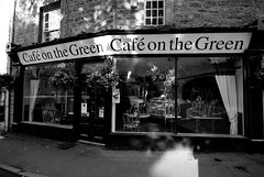 Cafe on the Green (Mike_in_Kboro) Tags: blackwhite derbyshire baslow mikenorris cafeonthegreen
