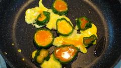 卵を流し込む