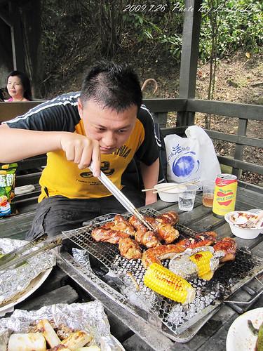 桃園龜山親子景觀餐廳|春天農場親子餐廳~烤肉趴、可愛動物園