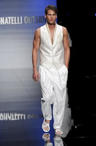 Travis Hanson302_SS10_Milan_Carlo Pignatelli Outside(mh)