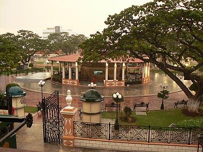 pluie tropicale à Campeche 2.jpg
