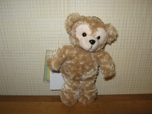 A smaller, keychainable version of Duffy The Disney Bear.