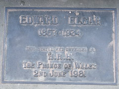 Photo of Edward Elgar and Charles P A G Mountbatten-Windsor bronze plaque