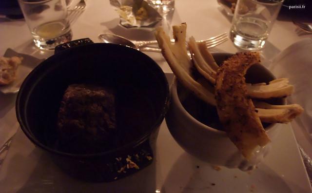 Gigot d'agneau mijoté sept heures, cocotte de légumes de saison, pousse de fenouil
