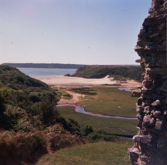 Ruined Castle and Three Cliffs Bay (Jane Dallaway) Tags: uk holiday 6x6 film wales vintage kodak iso400 events places event gower threecliffsbay balda porta400vc kodakporta400vc baldabaldixette