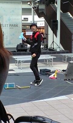 akira kawahara - Street performer