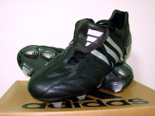 release date 4aee5 265e1 ... 2002 Accélérateur Precision First photo →  adidas Supernova middot  adidas  Predator Mania ...