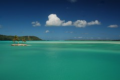Bora Bora lagoon at the airport (msdstefan) Tags: pictures ocean trip travel blue sea vacation sky panorama sun holiday sol praia beach strand landscape island coast soleil sand pacific pics urlaub bank playa nikond50 best insel southpacific ufer landschaft sonne plage rtw isla zon spiaggia nicest borabora kste oceania pazifik ozean ammeer coth sdpazifik  strandfotos ozeanien  landschaftsbild  flickraward windsandandwater denizkys concordians pazifischeinseln worldwidelandscapes flickrestrellas worldtrekker panoramafotogrfico pazificislands flickrunitedaward stefansbest theoriginalgoldseal mygearandmepremium mygearandmebronze mygearandmesilver mygearandmegold mygearandmeplatinum