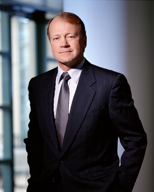 John T. Chambers (CEO)