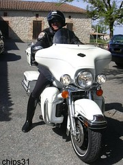Harley CHIPS 1 (tripuniforme) Tags: france europe police chips harleydavidson cop moto motorcycle toulouse bottes botas motard cuir stiefel breeches motorcyclecop stivali motorcyclepolice californiahighwaypatrol leatherboots losangelespolice tallleatherboots bottesdecuir wornboots bikermen copintoboots californiahighwaypatrolofficer bottesdemotard policepatrolboots chips31 bottesdemoto motorcopboots californiahighwaypatroluniform uniformedechips chipsuniform