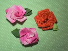flores de tecido - a rosa (Carla Cordeiro) Tags: origami handmade feitoàmão folded rosas tsuru dobradura kanzashi fabricflower floresdetecido foldedflowers linhaeagulha agulhaelinha origamiemtecido tecidotingido tingidopordivânia dobraduradetecido dobraduraorigami orinuno