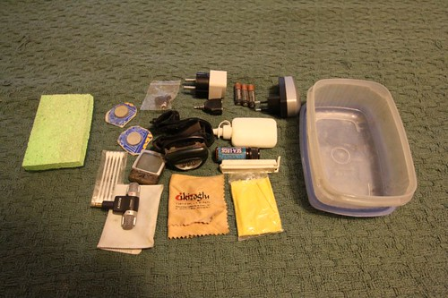 WT EQP: Plastic box (front/right pannier) with miscellaneous stuff