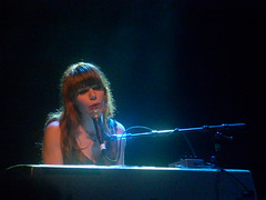 What Are We Gonna Doooo? (Brendan Luna) Tags: sanfrancisco piano jennylewis godspeed thefillmore acidtongue may292009